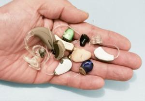 présentation des modèles d'aides auditives Audition Cornuau